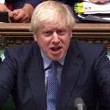 »Johnson led et sviende nederlag i parlamentet i tirsdags, da en større gruppe af hans konservative kolleger stemte sammen med oppositionen for at hindre ham i at gennemtvinge sin Brexit-løsning. Han har sat sin troværdighed over styr, men har mere at byde på fra samme skuffe,« skriver Samuel Rachlin.