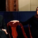 De to hovedpersoner i argentinsk politik, præsident Mauricio Macri og vicepræsidentkandidat og tidligere præsident Christina Fernández de Kirchner, tørner sammen ved præsidentvalget i oktober. Meget peger mod, at Argentina er tæt på statsbankerot.
