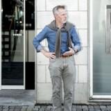 Kunderådgiver i Nordea i Roskilde Lars Niemann har ikke tænkt sig at gå på pension foreløbig. Han er 63 år gammel og har været på arbejdsmarkedet i 46 år, men han vil gerne fortsætte så lnænge han synes, at det er sjovt.