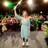 Miljøpartiet De Grønne (MDG) og det nye parti for bompengemodstand blev de to vindere med modsatrettede budskaber ved kommunalvalget i Oslo. Her er det MDGs leder i Oslo, Lan Marie Berg, der jubler over, at partiet er blevet tredjestørst i den norske hovedstad.