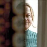 Merete Pryds Helles tolkning og portræt af skikkelsen Nora fra Henrik Ibsens »Et dukkehjem« er selvfølgelig den egentlige kerne og det afgørende omdrejningspunkt i en roman, som behændigt udvider og radikalt supplerer skuespillets handling og udbygger flere af dets karakterer som for eksempel doktor Rank,« skriver Berlingskes anmelder.