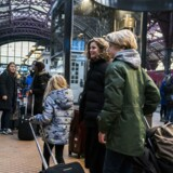 Danskerne vil hjem på juleferie, og det kan ifølge Vejdirektoratet føre til langsom trafik omkring middagstid. (Foto:Martin Sylvest/Scanpix 2017)
