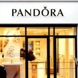 Arkivfoto. Pandora-aktien har fået uretfærdigt mange klø på grund af en faldende vækst, og smykkeproducentens udlodning på 6 pct. årligt og selskabets lave værdiansættelse gør ifølge analytikere aktien attraktiv.