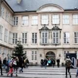 Nationalmuseet, og andre museer, har fået 4,8 mio kroner til at fremme indvandrerers viden om velfærdsstaten og Danmark. Her indgangen ved Nationalmuseet.