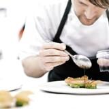 ARKIVFOTO 2010 af køkkenchef René Redzepi på Restaurant Noma. Gastronomiske succeser som Noma skal bruges til at løfte eksporten af danske fødevarer, mener minister. Området er præget af stor international konkurrence.