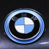 Den tyske bilproducent BMW fastholder forventningerne til hele 2016, selv om selskabet ikke nåede helt op at ramme analytikernes forventninger til indtjeningen i første kvartal.