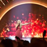 """Dansk Melodi Grand Prix 2017 foregik lørdag den 25. februar i Boxen i Herning. Her ses vinderen med sang nr. 4, """"Where I Am"""" med Anja (foto: Henning Bagger / Scanpix 2017)"""