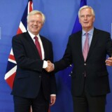 Michel Barnier (th.) er indstillet på at arbejde sammen med briterne efter brexit.