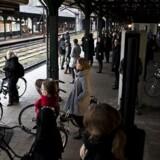 Arkivfoto: DSB forventer først, at togdriften igen er normaliseret ved middagstid tirsdag.