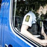 Mobil politistation bliver sat op på Blågårds Plads på Nørrebro i København. (Foto: Mads Claus Rasmussen/Scanpix 2017)