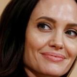 Angelina Jolie, 42 år, indspiller film om Cambodias forældreløse børn.