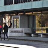 Mølleskolen i Ry fotograferet torsdag d. 4 maj 2017. Fire drenge er torsdag eftermiddag fundet skyldige i at have kastet en flaske med brændende benzin mod en 16-årig dreng, som de kendte fra skolen. Retten i Horsens idømmer to af de tiltalte fængsel i halvandet år, mens to andre idømmes et års fængsel for brandangreb. Straffen gøres delvist betinget. (Foto: Jens Nørgaard Larsen/Scanpix 2017)