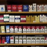 Cigaretter og sprut er blandt de varer, som to mænd anklages for at have stjålet fra butikker over hele landet. Det er ifølge anklagen sket ved, at de har distraheret de ansatte og stjålet varerne imens. Politiet mener, de er en del af en professionel tyvebande. Free/Colourbox