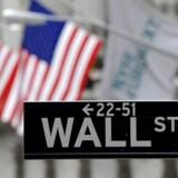 Mindst otte højtlønnede finansfolk på Wall Street har begået selvmord i år, og amerikanske medier beskæftiger sig indgående med det, der af nogen betegnes som en epidemi, der også har ramt andre rige og berømte.