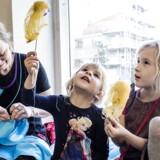 Hanne Prien og døtrene af Maise (6 år) og Silja (4 år). Hanne omgik den danske lov og blev mor ved hjælp af spanske donorer.