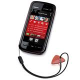 Nokia 5800 Xpressmusic er Nokias første mobiltelefon med trykfølsom skærm. Skærmen er 3,2 tommer stor, der er 8 GB hukommelse og dermed plads til op mod 6.000 musiknumre. Telefonen har et kamera med opløsning på 3,2 megapixler og Carl Zeiss-linse. Foto: Nokia