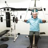 Peter Saxov er en pensioneret 68-årig ingeniør, der er formand for ældre rådet på Østerbro. Peter Saxov holder sig i fuld gang. Her er han i sin boligblogs motioncenter, som han bruger regelmæssigt.