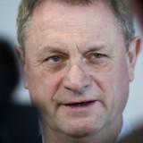 Tidligere overvismand Hans Jørgen Whitta-Jacobsen er bekymret over regeringens skattelettelser.
