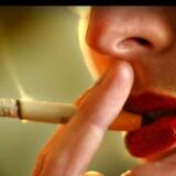Et højere forbrug af tobak og alkohol bidrager sandsynligvis til, at danske kvinder hyppigere får konstateret kræft end kvinder i de øvrige nordiske lande.
