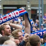 Der var proppet på Ingolfs Torg i det centrale Reykjavik, da Island i sidste uge mødte Østrig i kampen om at komme videre fra de indledende puljer i EM-slutrunden. Sensationelt vandt Island 2-1 og er dermed klar til at møde England i 1/8-finalen mandag aften.