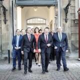 Arkivfoto: Statsminister Lars Løkke Rasmussen præsenterer sin nye trekløver-regering på Amalienborg.