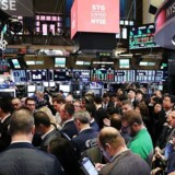 Mens det danske aktiemarked har været lukket på grund af påsken, har der været gang i handlen i flere af påskedagene i Europa, Asien og USA.