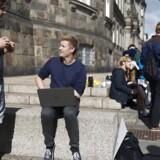 Studerende i protest på Christiansborg Slotsplads mod 2025-planen.