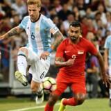 Den argentinske landsholdsspiller Lucas Biglia (nummer 6) skifter fra Lazio til Milan. Scanpix/Roslan Rahman