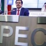 ARKIVFOO: Mohammed Al-Sada, Qatars energiminister og præsident for OPEC (C), Khalid Al-Falih, Saudi Arabia's energiminister (R), og Alexander Novak, Ruslands energiminister (L)