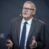 Nationalbankdirektør Lars Rohde præsenterede onsdag udsigterne for den danske økonomi fra Danmarks Nationalbank. I den forbindelse konkluderede Lars Rohde, at de lave enter ikke alene skyldes lempelig pengepolitik.