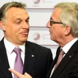 »En af mine favoritscener er klippet fra EU-topmødet i Riga i maj 2015, da Juncker hilste på Ungarns premierminister, Viktor Orbán, med et »hello, dictator« og et smørret grin,« skriver Pierre Collignon.