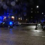 »Ingen skal være nervøs for at færdes i gaderne,« lyder det fra Rigspolitiet efter mystisk SMS, der advarer om det modsatte. Arkivfoto fra Brydes Allé i København, som politiet afspærrede 10. september 2019.