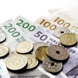 Danskernes gennemsnitlige nettoformuer vokser. Langt de fleste danskere er blevet tvunget til at spare op til pension, og det er med til at mindske uligheden i fordelingen af danskernes formue, fremhæver eksperter.