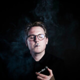 »Mange fotografer spørger, om ikke man kan ryge på billederne, men det er jeg faktisk begyndt at sige nej til. Man skal også være bevidst om, at man måske kan blive et forbillede for nogen,« siger Thomas Korsgaard. Akivfoto: Anne Bæk