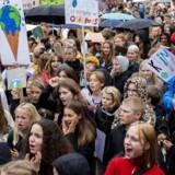 Landet – og verden – over demonstreres der til fordel for en større indsats for at redde klimaet. Her fra Rådhuspladsen i København.