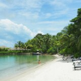 Bo på en privat ø med kun et resort og nyd en helt uovertruffen strand.