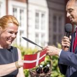 Inger Støjbergs tæller på Integrationsministeriets hjemmeside, hvor man hele tiden kunne følge med i antallet af stramninger, blev fjernet af den nye integrationsminister Mattias Tesfaye. Her overdrager Udlændinge- og Integrationsministeriet til Tesfaye.