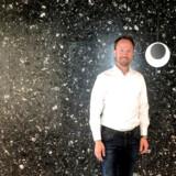 Christian Sinding er øverste chef for kapitalfonden EQT, der tirsdag gik på børsen med en markedsværdi på 44 mia. kroner. En række danskere fik en pæn bid af den store kage.