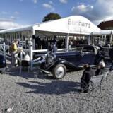 På auktioner i det engelske auktionhus Bonhams investeres der store summer i klassiske biler. Det er dog en af de mere risikofyldte investeringer, man kan foretage med sine sparepenge. Arkivfoto: Henning Bagger/Ritzau Scanpix