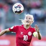 De kvindelige landsholdsspillere – her Pernille Harder – halter efter mændene, når det gælder lønnen. Det samme gælder i mange danske familier.