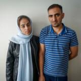 Khalid Afayi og hans forlovede, Sahar er på flugt fra Afghanistan. Hvor de ender, ved de ikke. Først troede de, målet var Iran, så Tyrkiet og nu venter de på en båd til Grækenland.