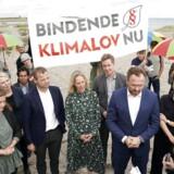 At løse klimaudfordringerne er et kæmpe fællesprojekt, hvor der er behov for alle gode kræfter, både på regeringsplan, i de forskellige bystyrer, i landbruget og de private hjem, mener Thomas Damkjær Petersen fra IDA. Her ses klima-, energi- og forsyningsminister Dan Jørgensen (S) sammen med bl.a. Ida Auken og Morten Østergaard (R) i forbindelse med de første drøftelser om klimaloven.