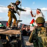 Israel har et særligt forhold til sit land og militær, der gør, at Israel har opbygget en særlig forståelse af sig selv som nation. Det er denne selvforståelse, der fører til, at Vesten aldrig fuldt ud vil kunne forstå Israel eller konflikten i Mellemøsten, siger en israelsk journalist.