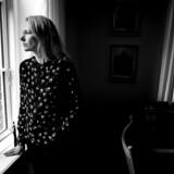Sognepræst Marie Høgh har i et par år markeret sig som en skarp borgerlig debattør, og hun har afstedkommet en del hidsige debatter om folkekirkens rolle i samfundet. Vi talte med hende hjemme i Gammel Tølløse Præstegård.