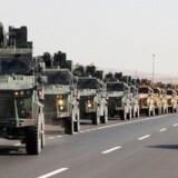 Tyrkiske konvojer ses her på vej mod den syriske grænse.