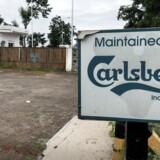 Carlsberg er kommet i søgelyset, fordi Berlingske på baggrund af et omfattende materiale har kunnet vise, hvordan indiske embedsmænd systematisk har modtaget penge under bordet. Her ses en af bryggerikoncernens fabrikker i Indien.