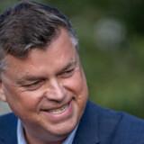 Fiskeriminister Mogens Jensen (S) møder skarp kritik fra støttepartier og miljøorganisationer, fordi han – ifølge kritikken – prioriterer fiskeriet over naturen. Det minder om den tidligere regering, lyder det blandt andet.