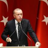 Tyrkiets præsident, Erdogan, har iværksat et større angreb mod kurdere i Syrien, og det får støtte hos en af de 27 statsejede tyrkiske moskeer i Danmark.