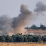 »Jeg håber, at landene (i EU, red.) på den baggrund følger trop som Danmark, og at de sikrer, at vi ikke udsteder licenser til eksport af våben, der kan bruges i krigen i Syrien,« siger udenrigsminister Jeppe Kofod (S).