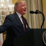 USAs præsident, Donald Trump, forklarede på et pressemøde natten til torsdag, at kurderne i Syrien »ikke er engle« – og at det i øvrigt må være en sag mellem Tyrkiet og Syrien, hvad der skal ske langs grænsen.